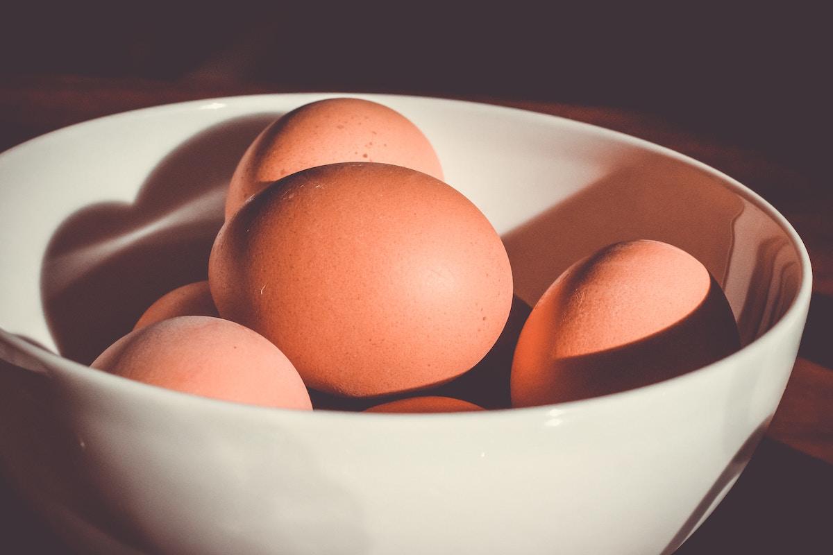 Vajíčka v miske (celé)